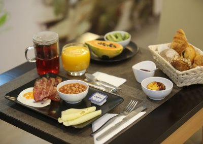 Suites-Cascais-Guest-House-Hotel-Breakfast-01