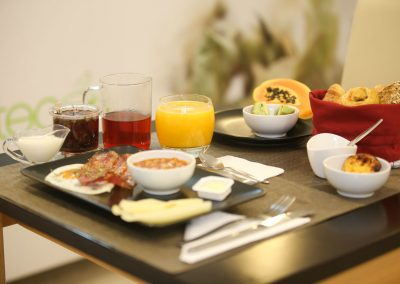 Suites-Cascais-Guest-House-Hotel-Breakfast-02