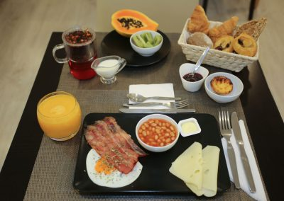 Suites-Cascais-Guest-House-Hotel-Breakfast-03