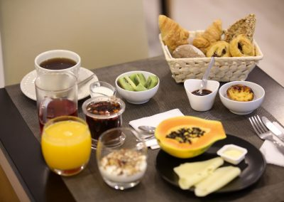 Suites-Cascais-Guest-House-Hotel-Breakfast-04