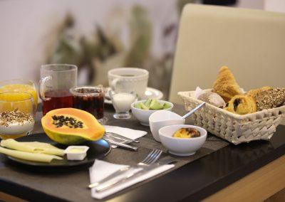 Suites-Cascais-Guest-House-Hotel-Breakfast-05