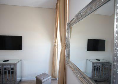 Suites Cascais Hotel Q4.09
